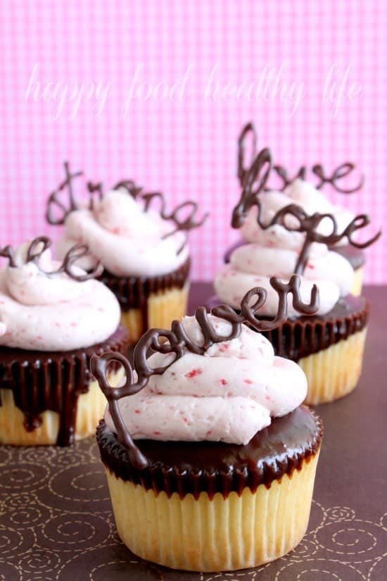 Chocolate Covered Strawberry Cupcakes // Happy Food Healthy Life