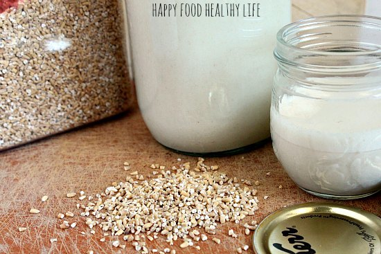 Homemade Dairy Free Oat Milk - An easy and healthy alternative to other milk substitutes. // Happy Food Healthy Life
