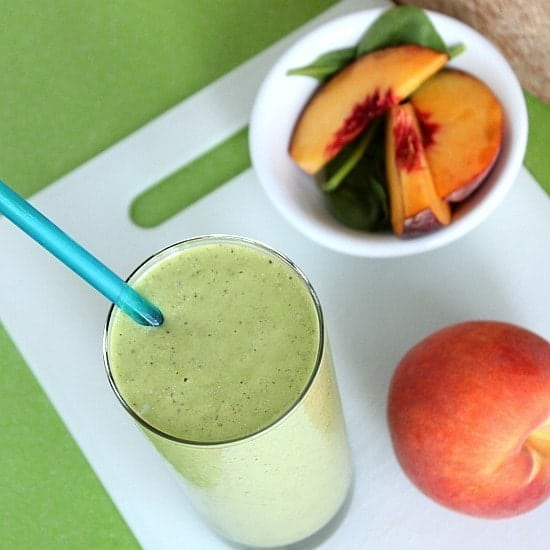 Peaches and Cream Green Smoothie // Happy Food Healthy Life