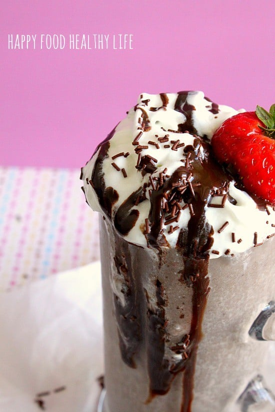 Chocolate Strawberry Cake 'n Shake // Happy Food Healthy Life