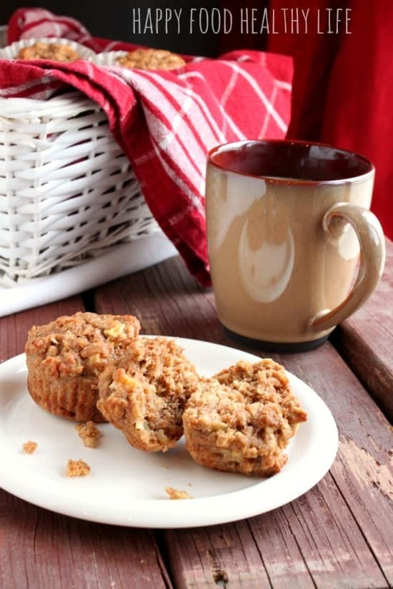 Applesauce Cinnamon Apple-Oat Muffins // Happy Food Healthy Life
