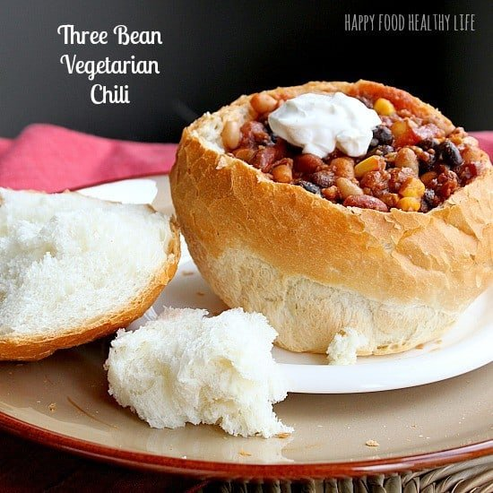 Tried and True Three-Bean Vegetarian Chili // www.HappyFoodHealthyLife ...