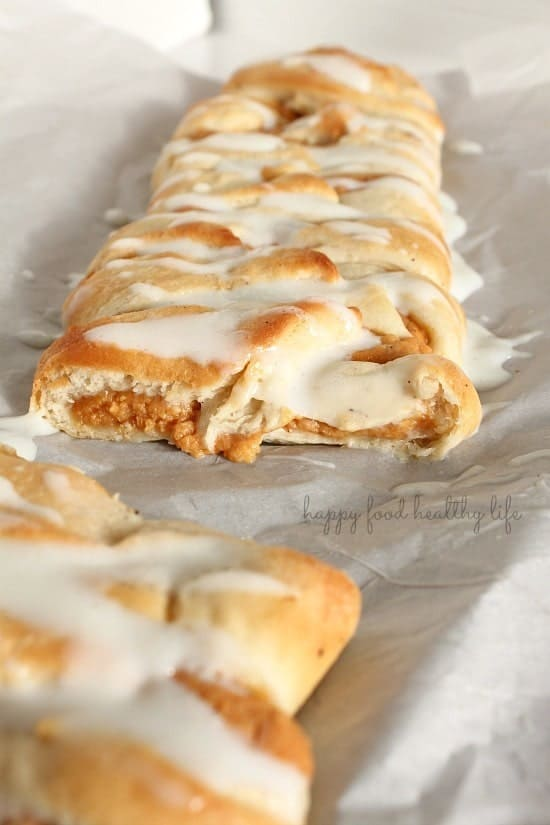 Healthy(er) Pumpkin Danish. Made with lowfat ingredients, so you're able to enjoy more of this delicious pastry. www.happyfoodhealthylife.com