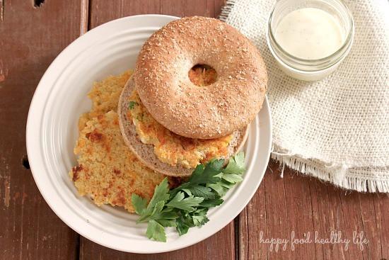 Quinoa Burgers - a healthy vegetarian weeknight meal - www.happyfoodhealthylife.com