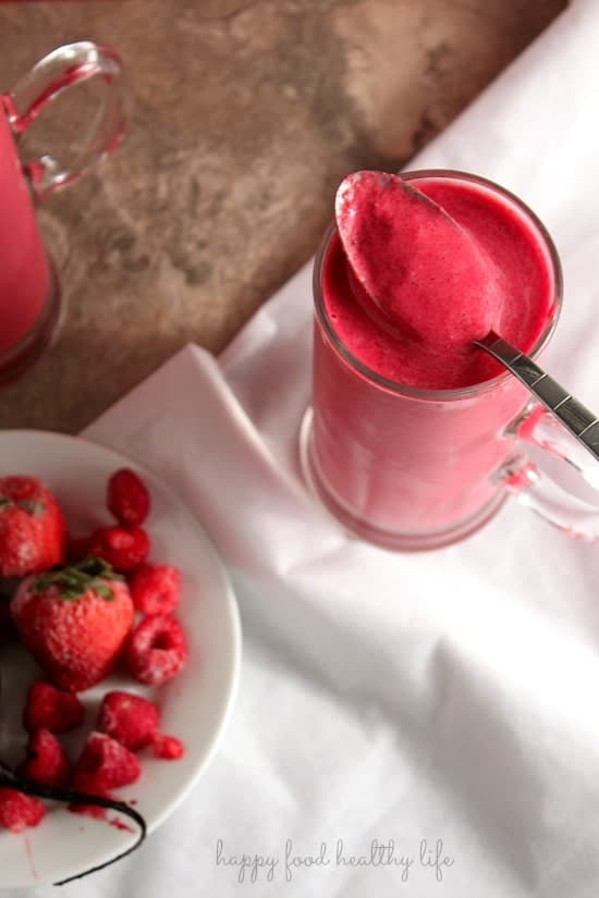 Ruby Red Smoothie . www.happyfoodhealthylife.com