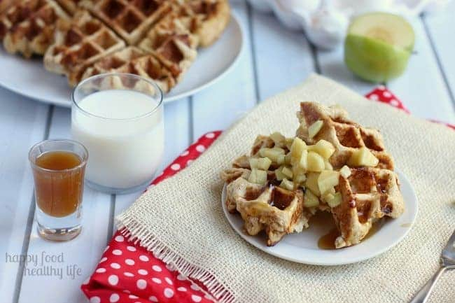 These CARAMEL APPLE STUFFED WAFFLES are a deliciously decadent treat for an Autumn breakfast or special occasion | www.happyfoodhealthylife.com