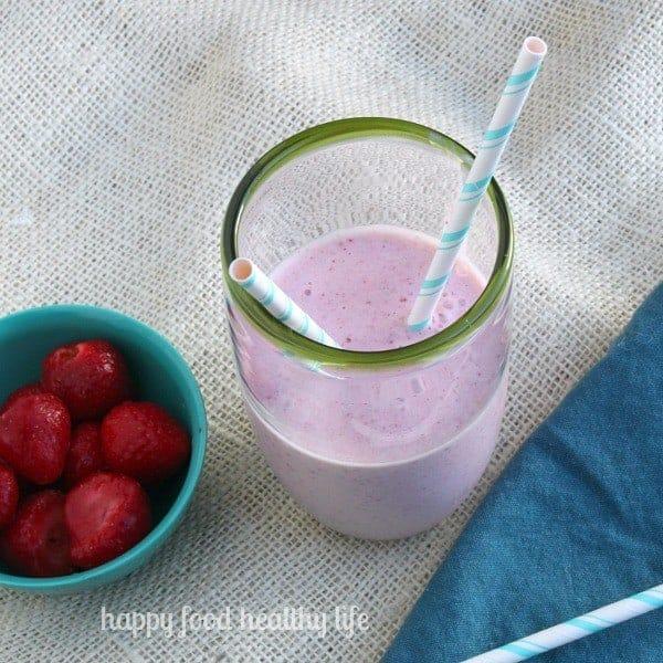 Almond Milk Strawberry Milkshake | www.happyfoodhealthylife.com