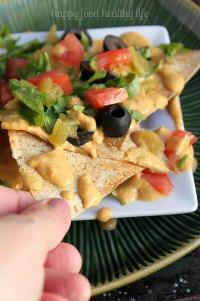 Nachos with Vegan Cheese and Homemade Chips | www.happyfoodhealthylife.com