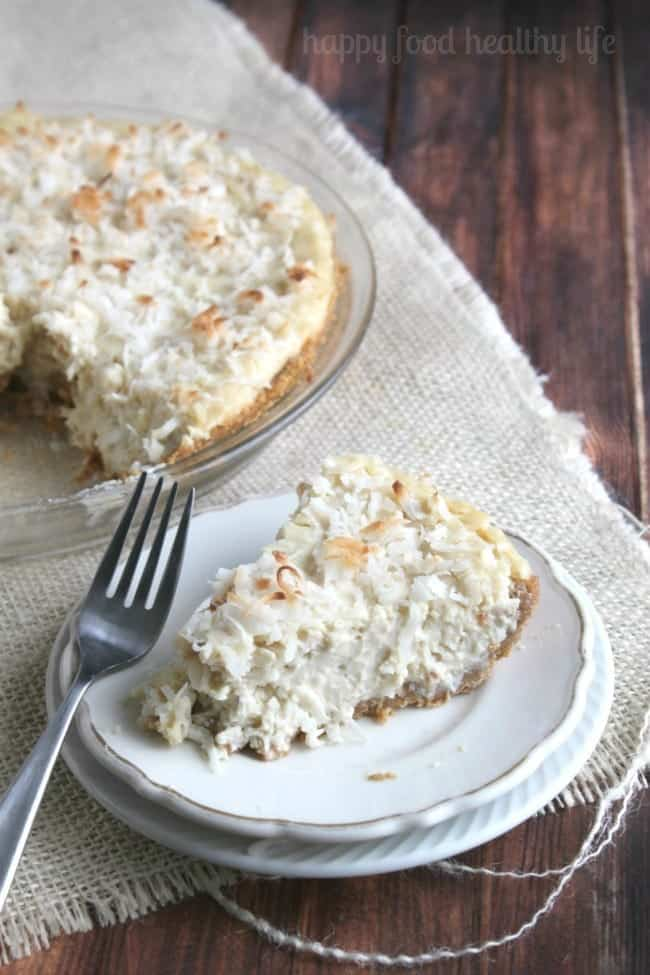 Vegan Coconut Cream Pie - www.happyfoodhealthylife.com