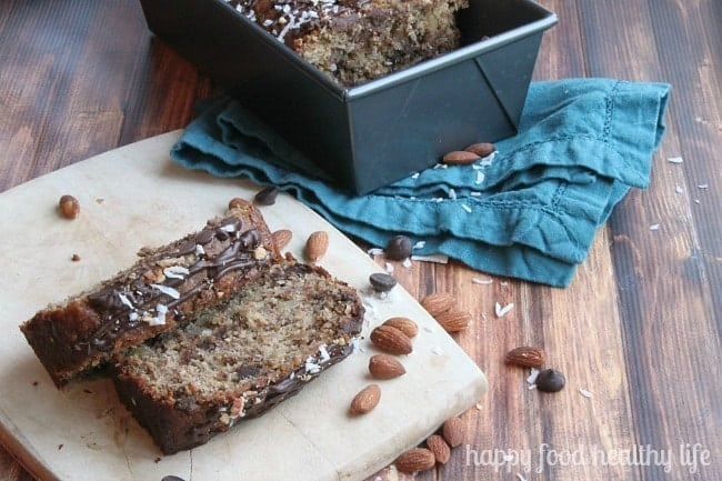 Healthy Almond Joy Banana Bread - healthy ingredients teamed up with the flavors of your favorite candy bar | www.happyfoodhealthylife.com