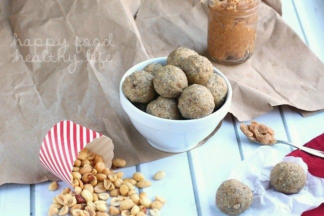 Peanut Butter Oatmeal Cookie Energy Bites - All the flavor of a delicious cookie, but packed full of nutrients to give you the boost you need | www.happyfoodhealthylife.com
