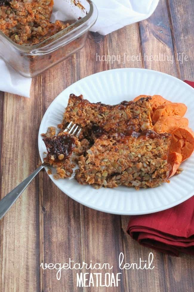 Vegetarian Lentil Meatloaf - this is some serious comfort food that's actually good for you! | www.happyfoodhealthylife.com