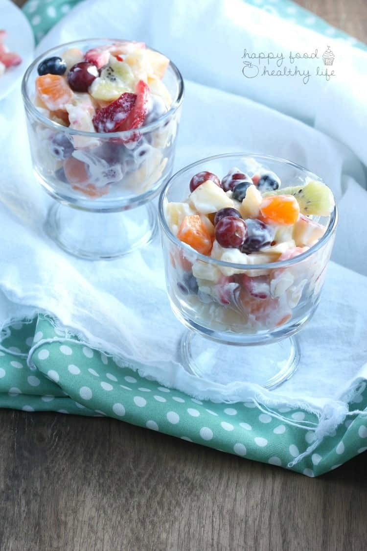 This is not your average FRUIT SALAD - this one is full of even more sweet flavor without anything unnatural | www.happyfoodhealthylife.com