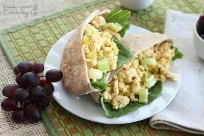 Vegan Egg Salad Sandwich - eating animal free but missing out on the deliciousness of egg salad sandwiches? This healthy alternative is sure to satisfy!   www.happyfoodhealthylife.com