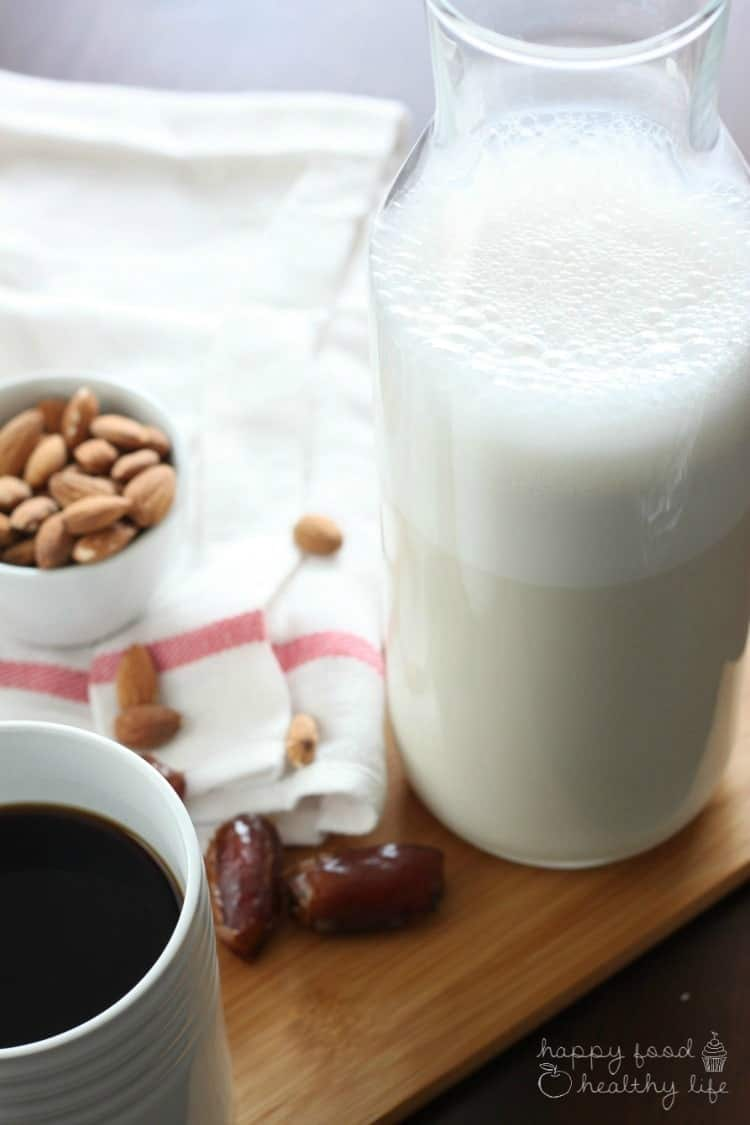 Dairy-Free Homemade Vanilla Coffee Creamer | www.happyfoodhealthylife.com