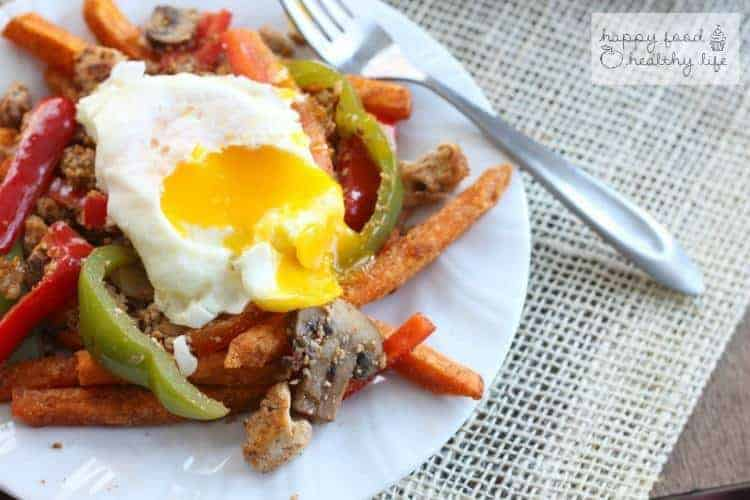 Sweet Potato Hash - A quick and easy weeknight meal that's sure to please your whole family | www.happyfoodhealthylife.com