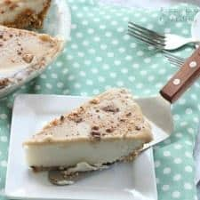Lightened Up Coconut Caramel Ice Cream Pie | www.happyfoodhealthylife.com
