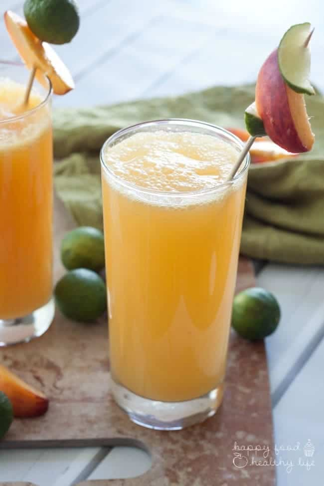 Adult Peachy Lime Refresher Cocktail. A cocktail sure to beat the heat all summer long. | Happy Food Healthy Life