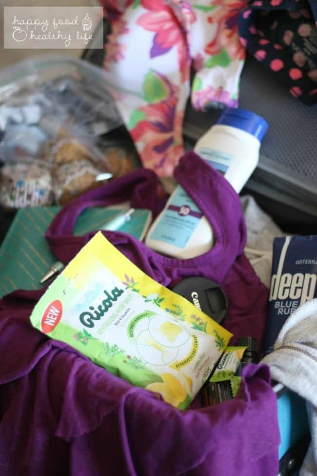 5 Essentials to Pack for a Healthy Vacation | Happy Food Healthy Life