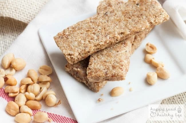 Nutty No-Bake Protein Bars - the perfect healthy snack for when you're on-the-go | Happy Food Healthy LIfe