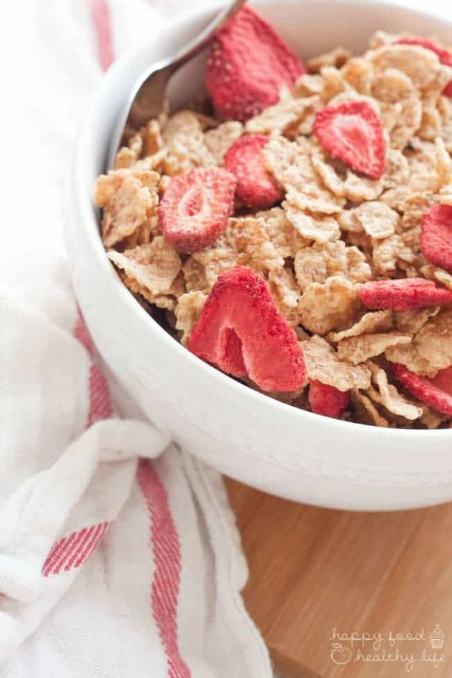 Healthy Breakfast Hacks - Make sure you're starting your day off right and healthy with these few easy tips | Happy Food Healthy Life