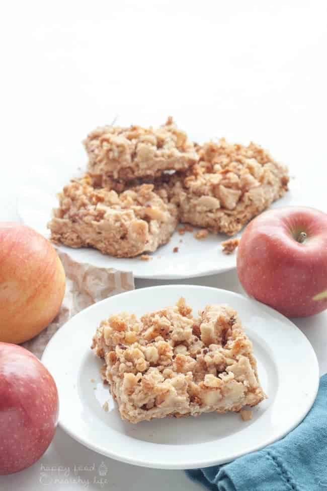 Healthy Apple Breakfast Crumble Bars - Good enough for dessert, healthy enough for breakfast - YOU CHOOSE! These baked apples are tender and sweet, adding the perfect flavors for autumn!