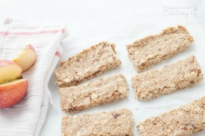 No-Bake Apple Pie Energy Bars
