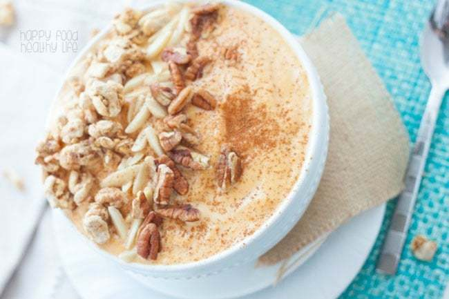 Pumpkin Cinnamon Crunch Smoothie Bowl - this easy and healthy breakfast smoothie is full of nutrients to get you through the entire morning