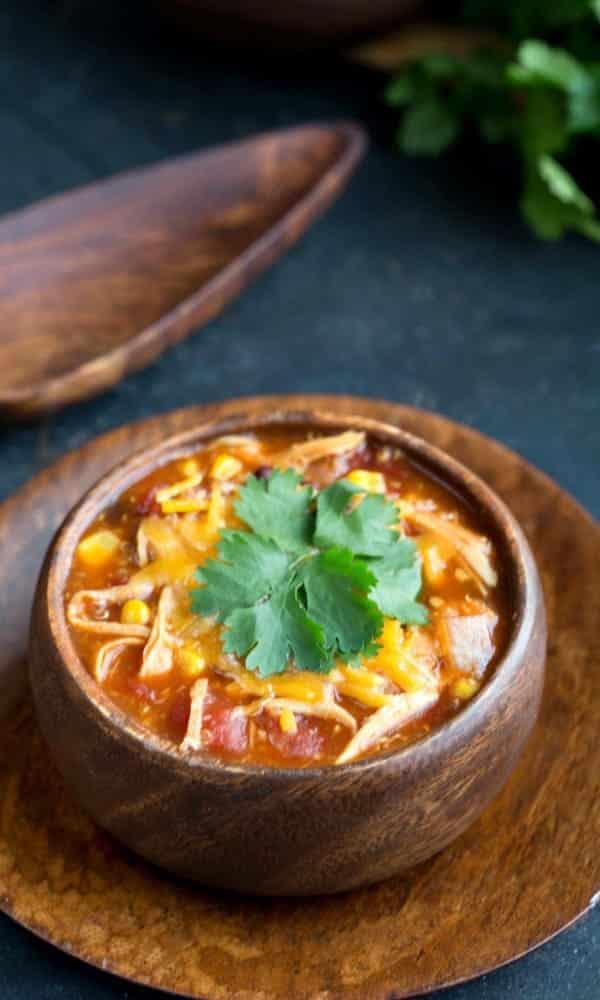 Slow-Cooker-BBQ-Chicken-Quinoa-Chili-600