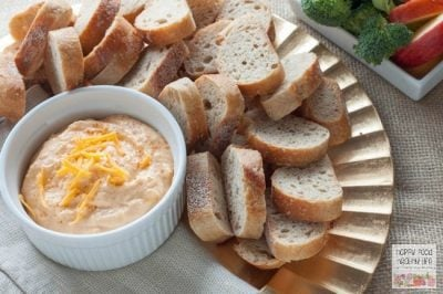 Healthy 3-Ingredient Spicy Cheddar Cheese Dip