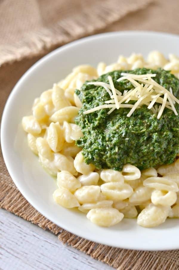 Portobello-Mushroom-Kale-Spinach-Macaroni-and-Cheese-Recipe