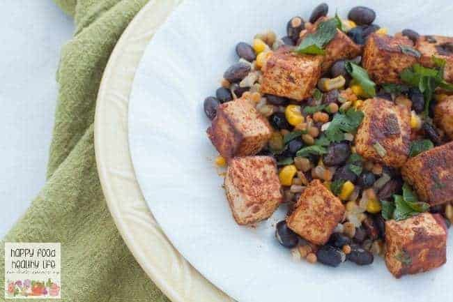 Southwestern Tofu and Veggies - a yummy protein-packed dinner that is super flavorful and comes together in no time at all. There's nothing better than an easy and healthy dinner on a busy weeknight.