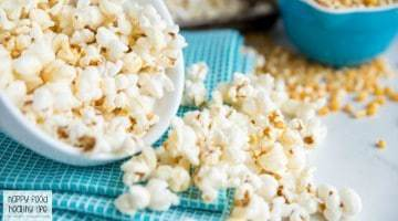 Lightened Up Buffalo Popcorn Recipes - the perfect snack with the flavors of buffalo chicken that you love! Perfect for game night, movie night, or just to watch the big game! Click through to check out of the easiest and healthiest recipes you'll ever make.