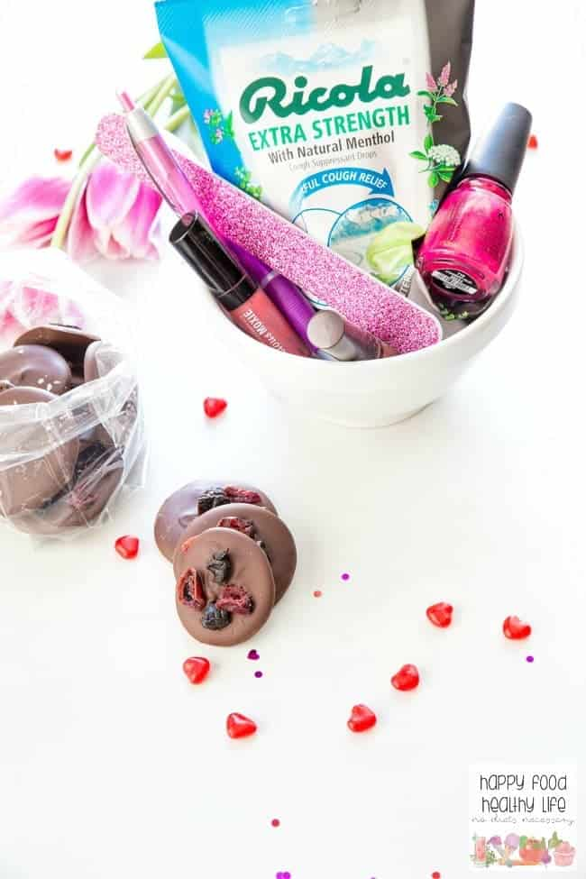 Show yourself some major love on Valentine's Day this year with these awesome gifts for you. Plus, you're going to get a super quick 5-minute recipe for the best dark chocolate recipe ever! Click through and start pampering yourself now! You deserve it!