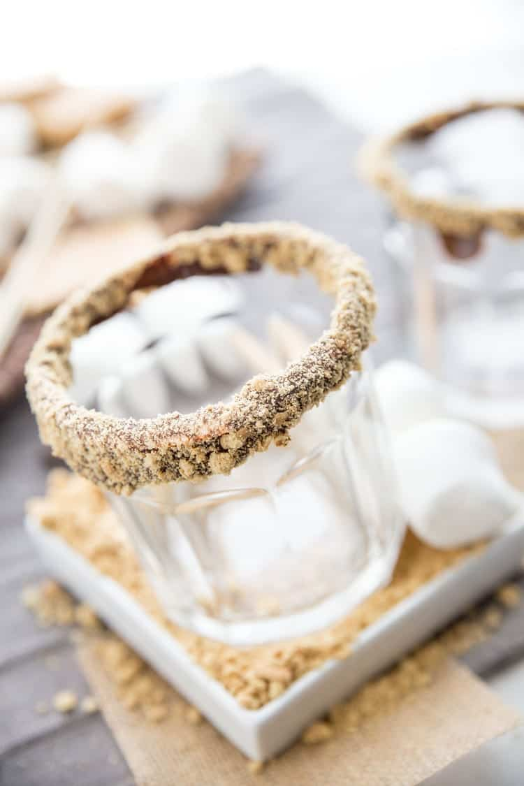 It's summer now and all things S'mores are fair game. Start your summer off right with this Dairy-Free S'mores Cocktail. Why should you have to choose between dessert and drinks anyway! With this one you don't have to! Click through to get the super easy recipe.
