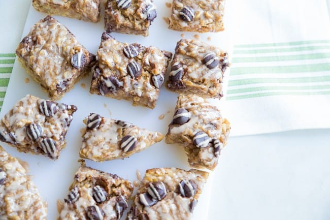 Slow Cooker Whole Wheat Banana Oat Breakfast Bar with Cinnamon Drizzle - a healthy snack you can make right in your crock pot!