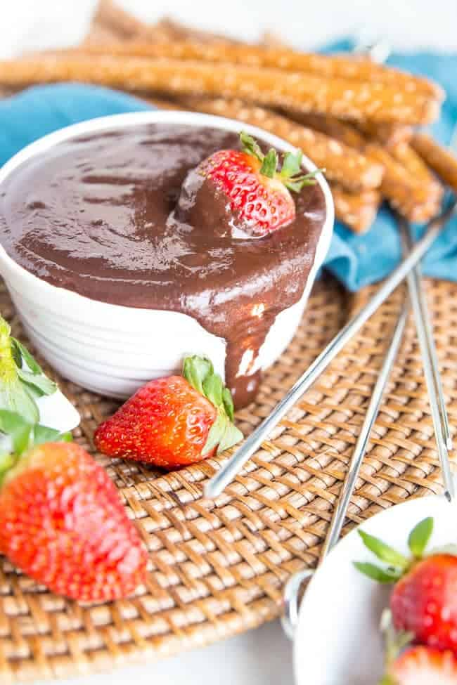 SLOW COOKER VEGAN DARK CHOCOLATE FONDUE | DESSERT | DAIRY FREE | VALENTINES DAY | DATE NIGHT 20
