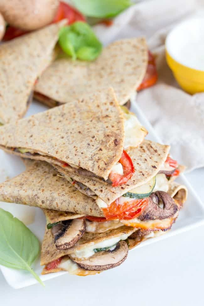SUMMER TOMATO ZUCCHINI QUESADILLA | VEGETARIAN | MEAT-FREE | HEALTHY RECIPE | EASY DINNER