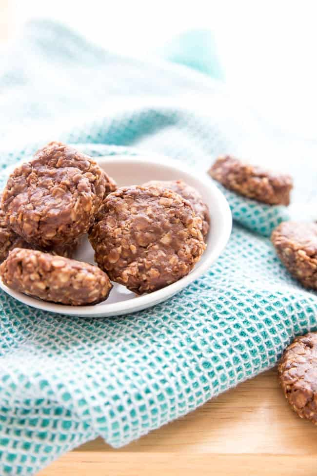 VEGAN NO-BAKE COOKIES | HEALTHY COOKIES | PLANT-BASED | DESSERT | SNACKS
