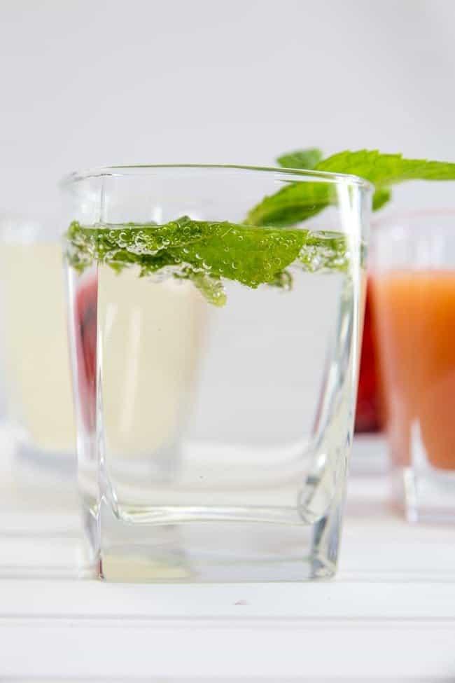 3-INGREDIENT VODKA DRINKS   COCKTAILS   LIQUOR   MIXED DRINKS   VODKA