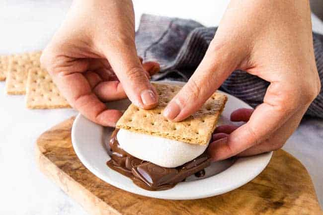 VEGAN MARSHMALLOWS RECIPE - GREAT FOR VEGAN S'MORES
