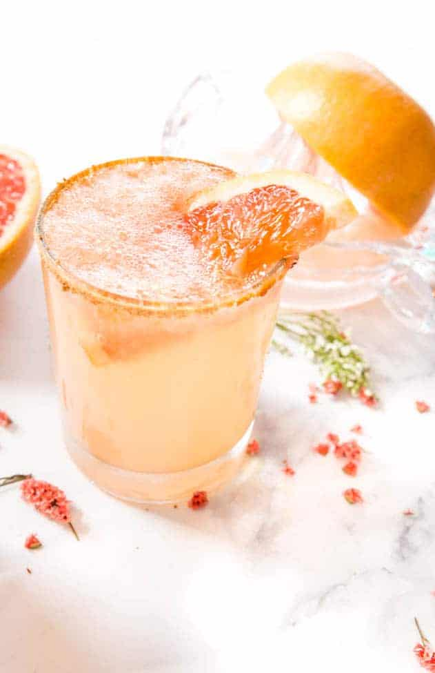 Pink Grapefruit Vodka Cocktails - Perfect vodka cocktail for a refreshing little getaway