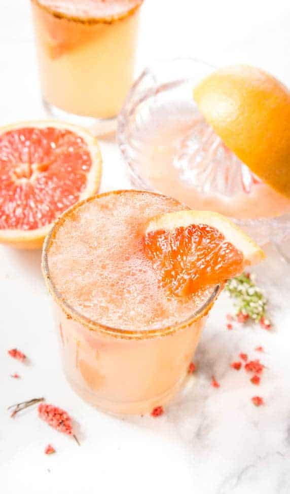 PINK GRAPEFRUIT VODKA COCKTAIL - the most refreshing vodka cocktails that totally look fancy but take no effort at all