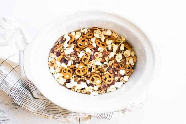 CROCK POT CHEX MIX GETS A MAKEOVER WITH THIS HEALTHY TRAIL MIX THAT STARTS OFF RIGHT IN THE CROCKPOT