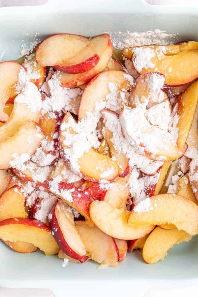 peaches sprinkled with cinnamon and starch